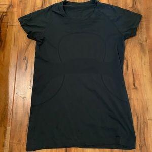 Lululemon swifty tech shirt